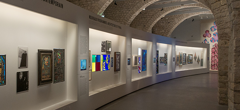 agence search architecture scenographie de l exposition chagall soulages banzaken le. Black Bedroom Furniture Sets. Home Design Ideas